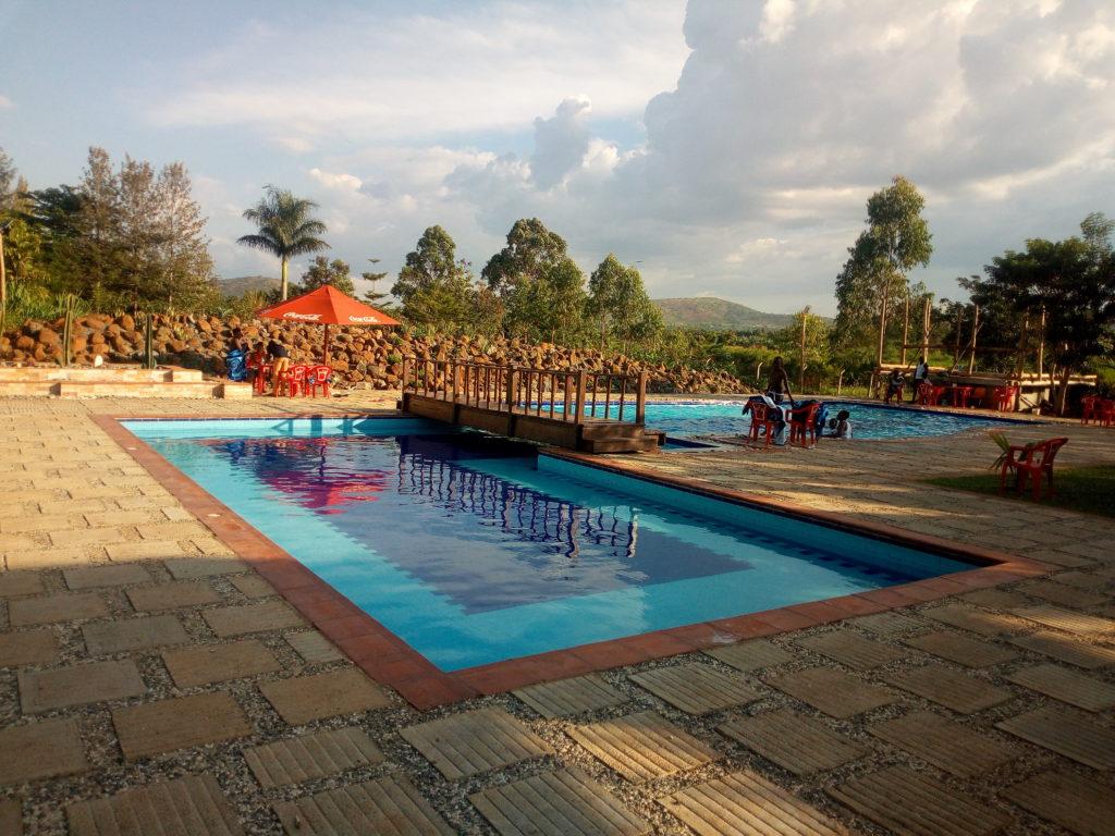 Kabalega Resort Zwembad